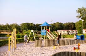 Outdoor playground EuroParcs Resort De Kempen